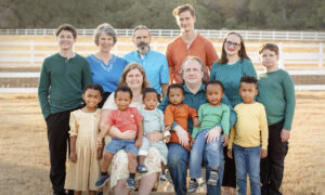 Texas Parents Adopt 6 Siblings Together, Doubling the Size of Their Family in One Day