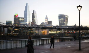London to Move Into Toughest Tier of CCP Virus Restrictions on Dec. 16
