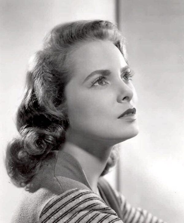 Janet_Leigh_1949_portrait