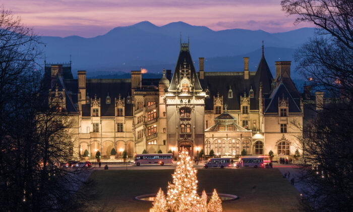The Vanderbilt family opened the doors of Biltmore House for the first time on Christmas Eve in 1895. Christmas at Biltmore displays more than 100 hand-decorated Christmas trees, 25,000 ornaments, 100,000 holiday lights, nearly 6,000 feet of garland, and 1,200 poinsettias throughout the house and estate. (ExploreAsheville.com)