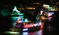 Newport Beach Holds 'Unofficial' Christmas Boat Parade