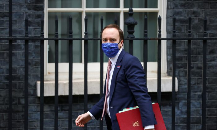 Britain's Health Secretary Matt Hancock arrives at Downing Street in London, UK, on Dec. 10, 2020. (Simon Dawson/Reuters)