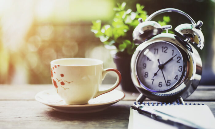 Getting up one hour early will start you off on the right foot—and peaceful time all to yourself. (kan_chana/Shutterstock)