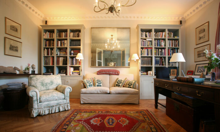 The most interesting rooms always have layers upon layers of detail, no matter what the style. (paul prescott/Shutterstock)