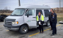 Mom Walks 6 Miles to Work Every Day for Her Kids–Until Sheriff Helps Her Get New Van for Christmas