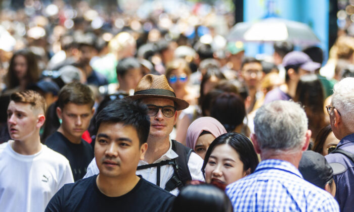 Shoppers are seen in the Pitt Street Mall in Sydney, Australia on Dec. 26, 2019.(Jenny Evans/Getty Images)