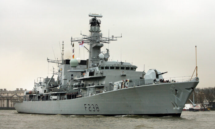 HMS Northumberland sails on the River Thames in London, on March 29, 2007. (Peter Macdiarmid/Getty Images)
