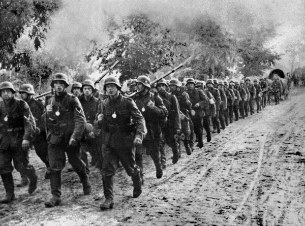 Photo prise en septembre 1939 de l'armée
