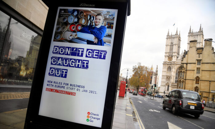File photo shows an electronic billboard displaying a British government information message advising business to prepare for Brexit, in London on Dec. 4, 2020. (Reuters/Toby Melville)