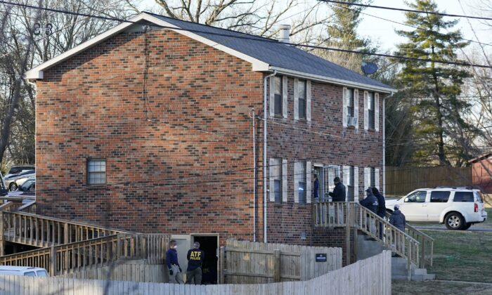 FBI and ATF agents search a home in connection to the Christmas bombing, in Nashville, Tenn., on Dec. 26, 2020. (Mark Humphrey/AP Photo)