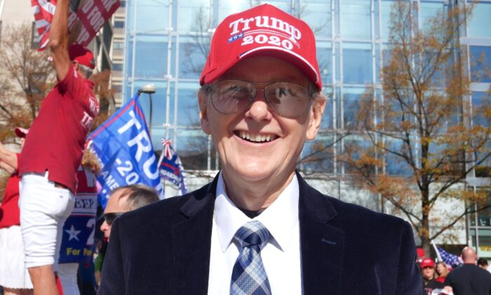 Former South Carolina senatorial race candidate and local vice chairman of the Constitution Party Bill Blesdoe, at a rally supporting President Donald Trump, on Dec. 22, 2020. (Sherry Dong/The Epoch Times)