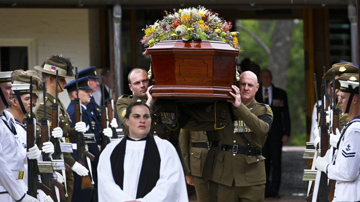 Former Governor General Michael Jeffery Remembered as 'Papa'