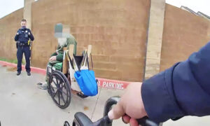 Video: Texas Police Officer Uses Own Money to Buy Stranded Homeless Man a New Wheelchair
