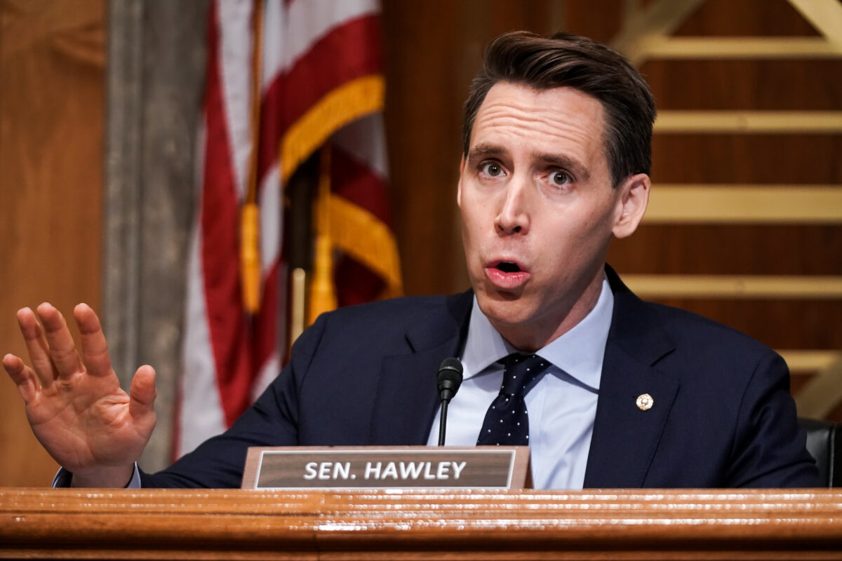Sen. Josh Hawley (R-MO) asks questions