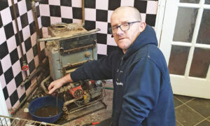 Kind Plumber Offers Free Services to Disabled and Elderly After Hearing of Scam Contractors