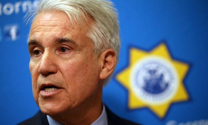 Then-San Francisco District Attorney George Gascon speaks during a news conference in San Francisco, California on Dec. 9, 2014. (Justin Sullivan/Getty Images)