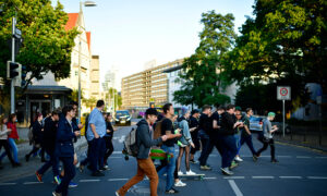 Study Finds Most Australians Fear Mobile Phone Separation