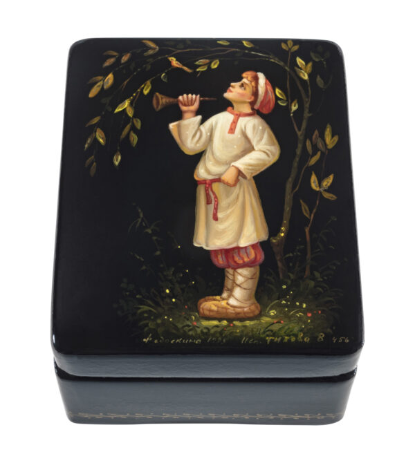 lacquer box-boy with horn