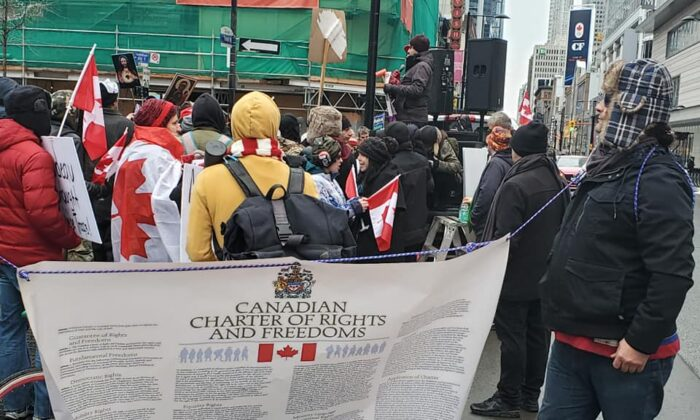 Anti-lockdown protesters gather at Dundas Square in Toronto on Jan. 2, 2020. (Chuck Black/Freedom Forum Canada)