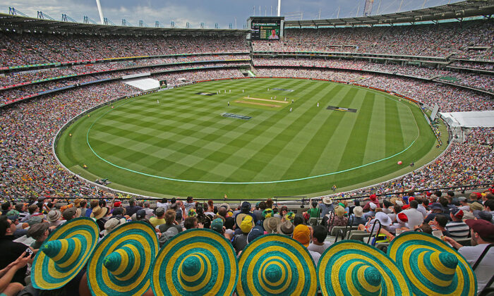A general view of the large crowd during day one of the Fourth Ashes Test Match between Australia and England at Melbourne Cricket Ground on December 26, 2013 in Melbourne, Australia.  (Scott Barbour/Getty Images)
