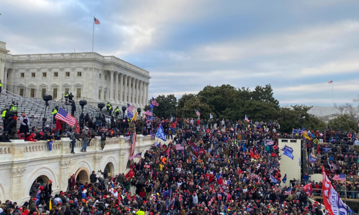 Protesters mass in front of the U.S. Capitol building in Washington on Jan. 6, 2021. (Courtesy of Mark Simon)