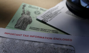 Fewer Stimulus Checks Suggested Because Wealthy Americans Didn't Spend Theirs: Study