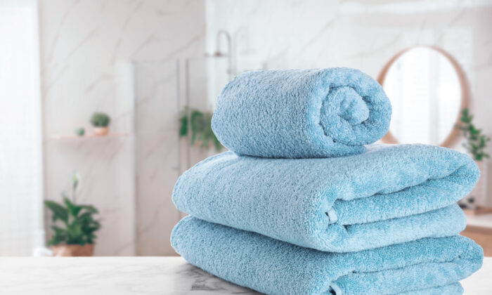 Good towels should be able to last through a decade of use and laundering. (New Africa/Shutterstock)