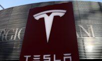 Tesla Market Value Crosses $800 Billion For The First Time