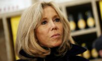 French President's Wife Tested Positive for COVID-19 in Late December: Media
