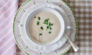 Creamy Cauliflower and Pear Soup