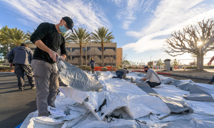 Samaritan's Purse sets up a field hospital in California in January 2021. (Courtesy of Samaritan's Purse)