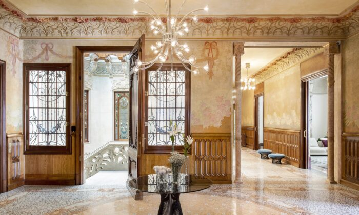 The main floor boasts two noble residences decorated in a traditional or rococo style, celebrating luxury in a traditional sense. They transport one back in time to experience true grandeur. (Jordi Folch and Jose Hevia)