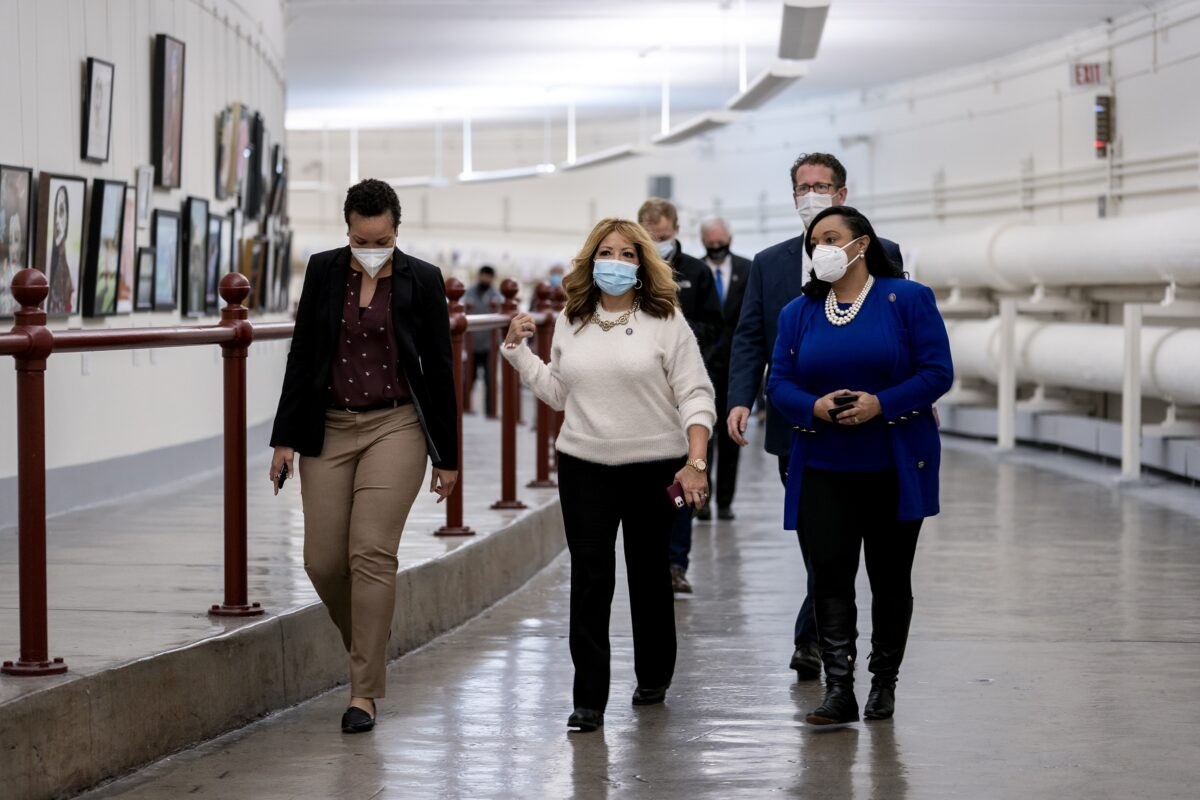 House Approves Fines for Members Not Wearing Masks
