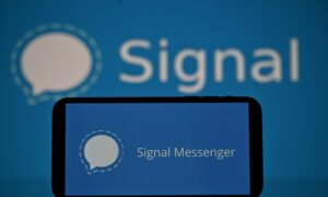 Signal Messaging App Hits Top of Stores After Reaching 1.3 Million Downloads in One Day