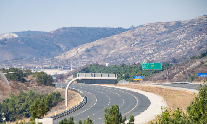 The 241 Toll Road seen from Lake Forest, Calif., on Oct. 28, 2020. (John Fredricks/The Epoch Times)