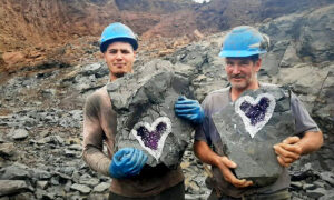 Miners Cut Open Rock and Discover Stunning Heart-Shaped Purple Geode Inside