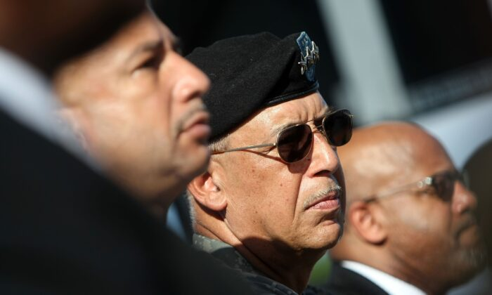 Lt. Gen. Russel Honore (center) listens during the Hurricane Katrina Memorial Groundbreaking Ceremony in New Orleans, La., on Aug. 29, 2007. (Chris Graythen/Getty Images)