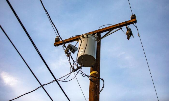 Power lines in Fullerton, Calif., on Dec. 22, 2020. (John Fredricks/The Epoch Times)