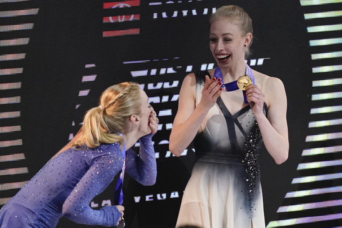 Second-place Amber Glenn (L) and first-place Bradie Tennell