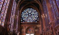 The Breathtaking Architecture of Sainte-Chapelle, Paris