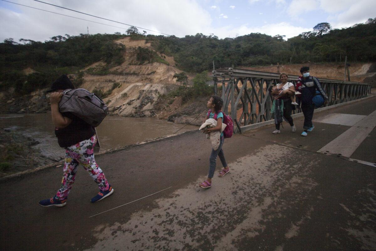 Migrants travelling in Guatemala
