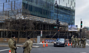 DC Pedestrians View Inaugural Lockdown With Sadness and Dismay