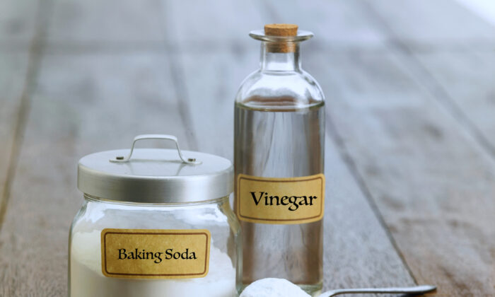 Baking soda and vinegar make a humble but powerful duo. (focal point/Shutterstock)