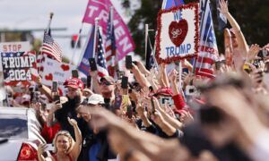 Trump Cheered by Supporters Upon Landing in Florida