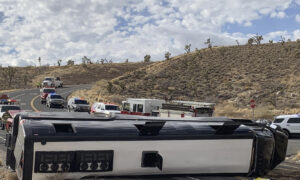 One Dead, Dozens Injured After Bus Crash on Way to Grand Canyon