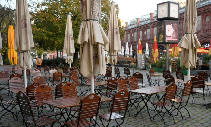 Empty chairs and tables are pictured on the first day of the temporary closing of restaurants, as the spread of coronavirus disease (COVID-19) continues in Berlin, Germany, on Nov. 2, 2020. (Annegret Hilse/Reuters)