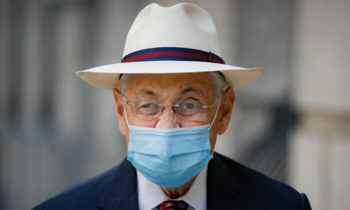 Former New York Assembly Speaker Sheldon Silver leaves U.S. District Court after he was sentenced to 6 1/2 years in prison in the corruption case that drove him from power, in the Manhattan borough of New York, N.Y., on July 20, 2020. (John Minchillo/File/AP Photo)