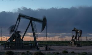 Widespread Concern in New Mexico as Biden Halts New Oil, Gas Leases