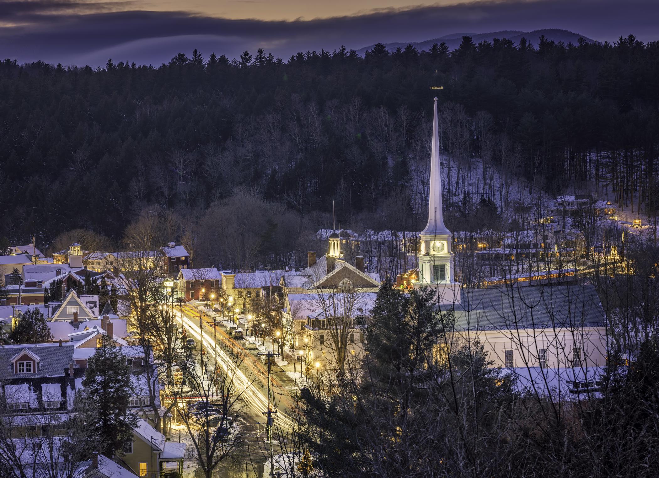 Stowe_Winter_Village_Church_Glowing_MarkVandenberg_DSC7357-Edit-2100x1523-d9bff4ed-ca34-492a-a331-ce72dab27d23