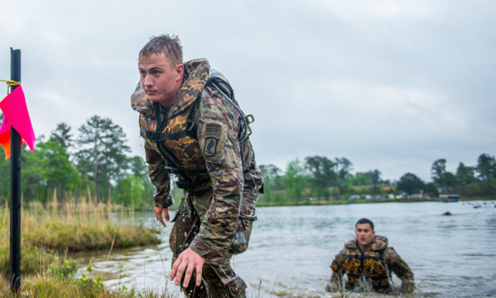 David E. Grange Jr. takes part in the U.S. Army Best Ranger Competition in Fort Benning, Ga., on April 12, 2019. According to a Pentagon report, 71 percent of Americans between the ages of 17 and 24 were ineligible to serve in our military.  (Patrick A. Albright, MCoE PAO Photographer/U.S. Army/CC BY 2.0)
